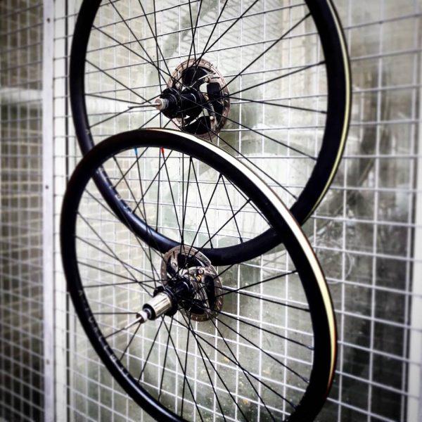 Handbuilt AL33 Disc Wheelset